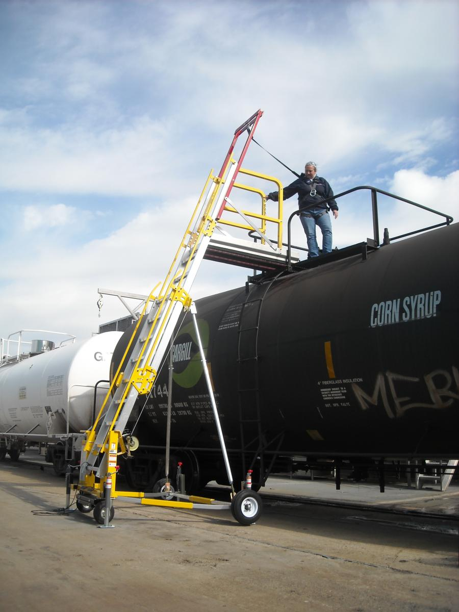 Portable Mobile Railcar and Railway Industry Fall Protection