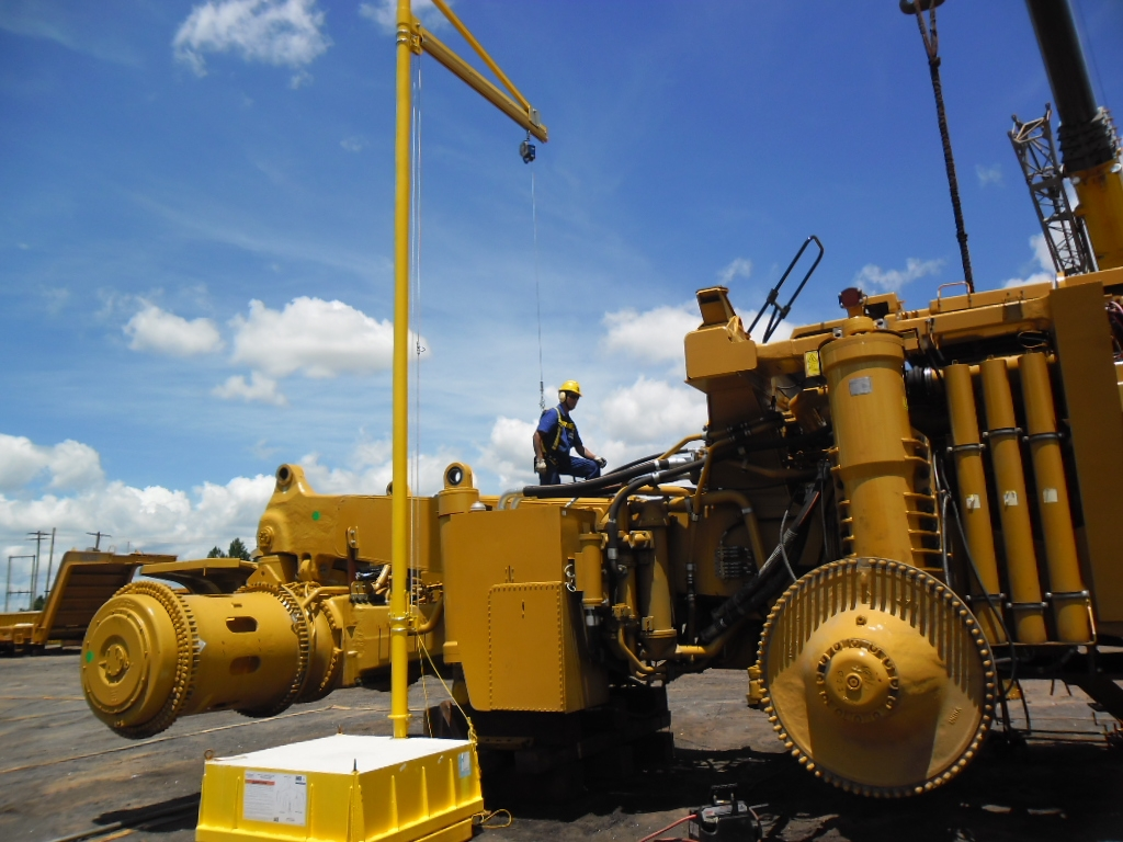 Fall Protection Solutions for Heavy Equipment Maintenance